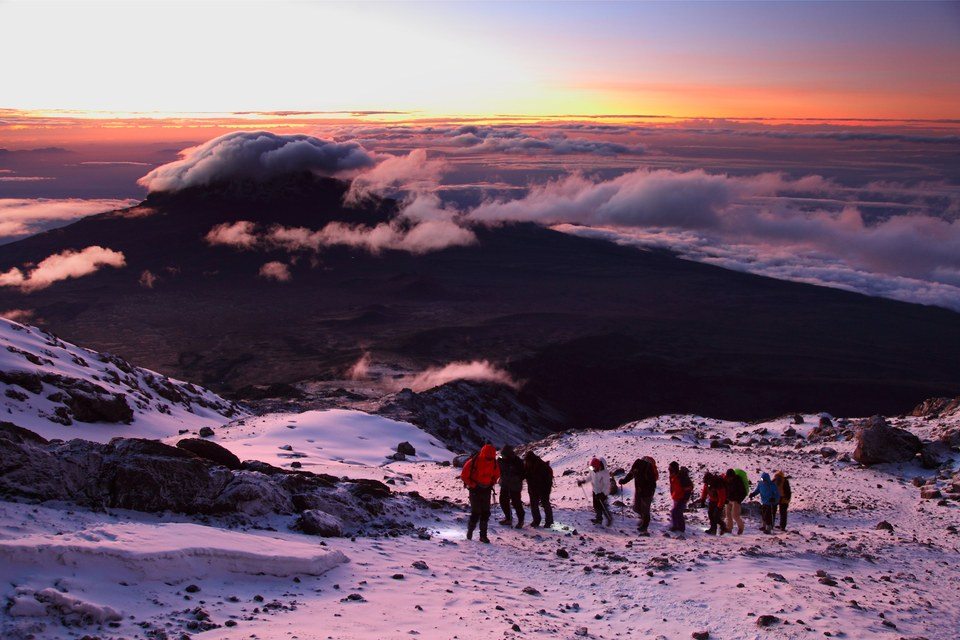 Le sommet du Kilimandjaro n'est plus très loin